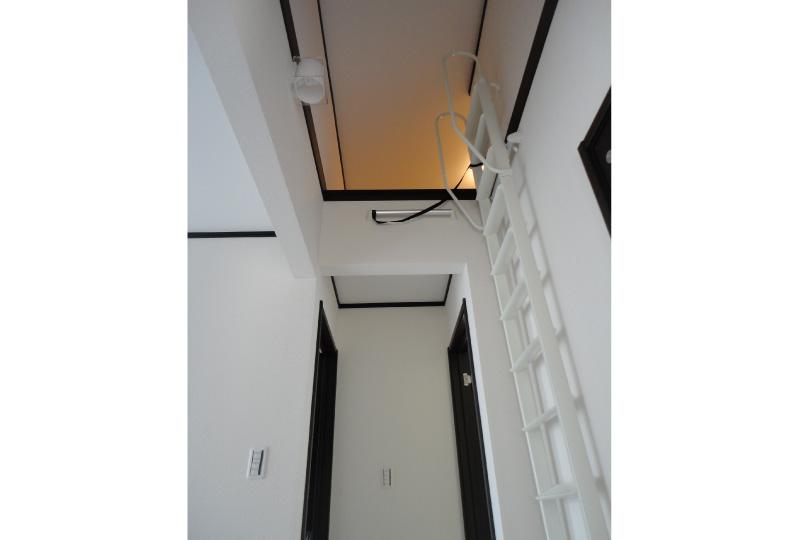 2階ホールよりつながるロフト空間