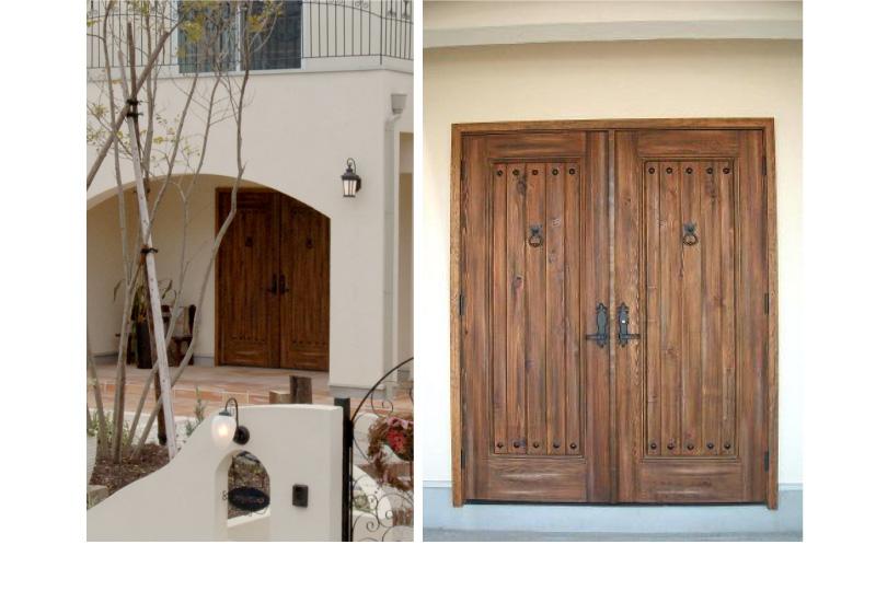 アンティーク仕上げの玄関扉